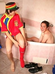 Teen Boys shared bath and sucking cocks